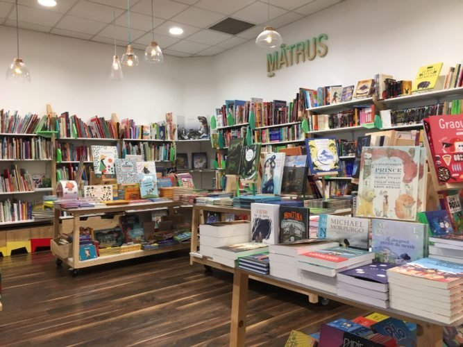 Interview de Thomas Vernet, gérant de la librairie des Croquelinottes